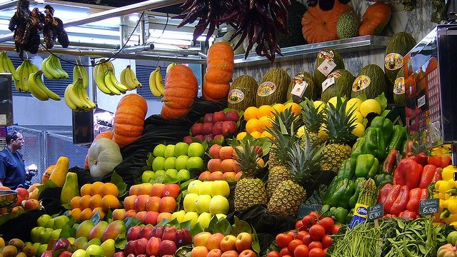 Frutería-comercio-local-Flickr-Creative-Commons-Autor-Virginia-RM